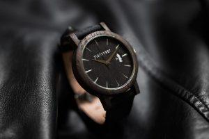 Drewniany-zegarek-seria-royal-czarny-dąb-6