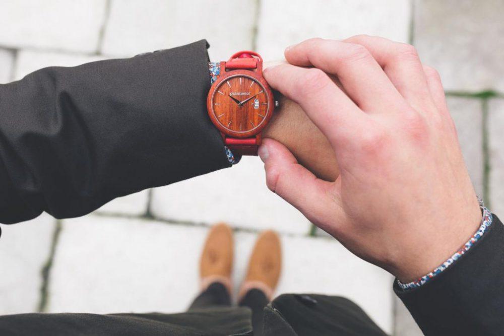 Drewniany-zegarek-seria-royal-padouk-6-1024x683